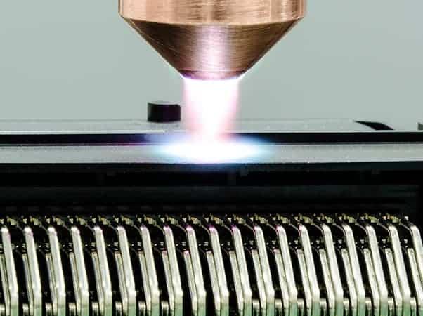 Plasmaaktivierung elektronischer Bauteile