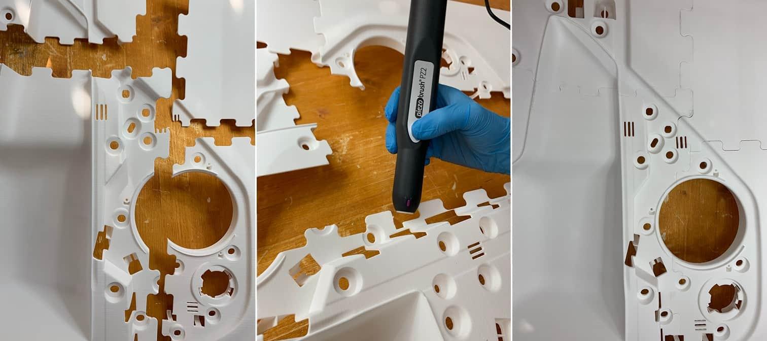 Bauteile einer 3D-gedruckten Türinnenverkleidung, die mit Plasmatechnologie verklebt werden