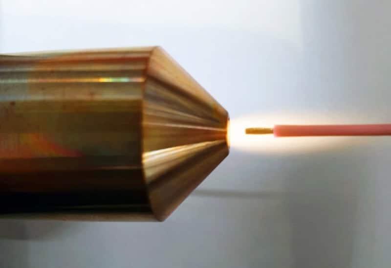 Plasmavorbehandlung des Kabels vor dem Umspritzen