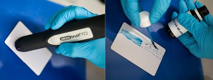 Bearbeitung von ABS mit dem piezobrush für optimierte Klebeverbindung mit Plasma